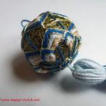 <!--:en-->Floral blue temari<!--:--><!--:ru-->Золотой тэмари с синим зигзагом<!--:-->
