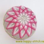 "<!--:en-->Pink chrysanthemum temari<!--:--><!--:ru-->Тэмари с узором ""Хризантема""<!--:-->"