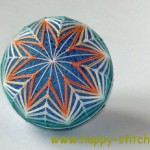 "<!--:en-->Two temari balls with kiku pattern<!--:--><!--:ru-->Два тэмари с узором ""Хризантема""<!--:-->"